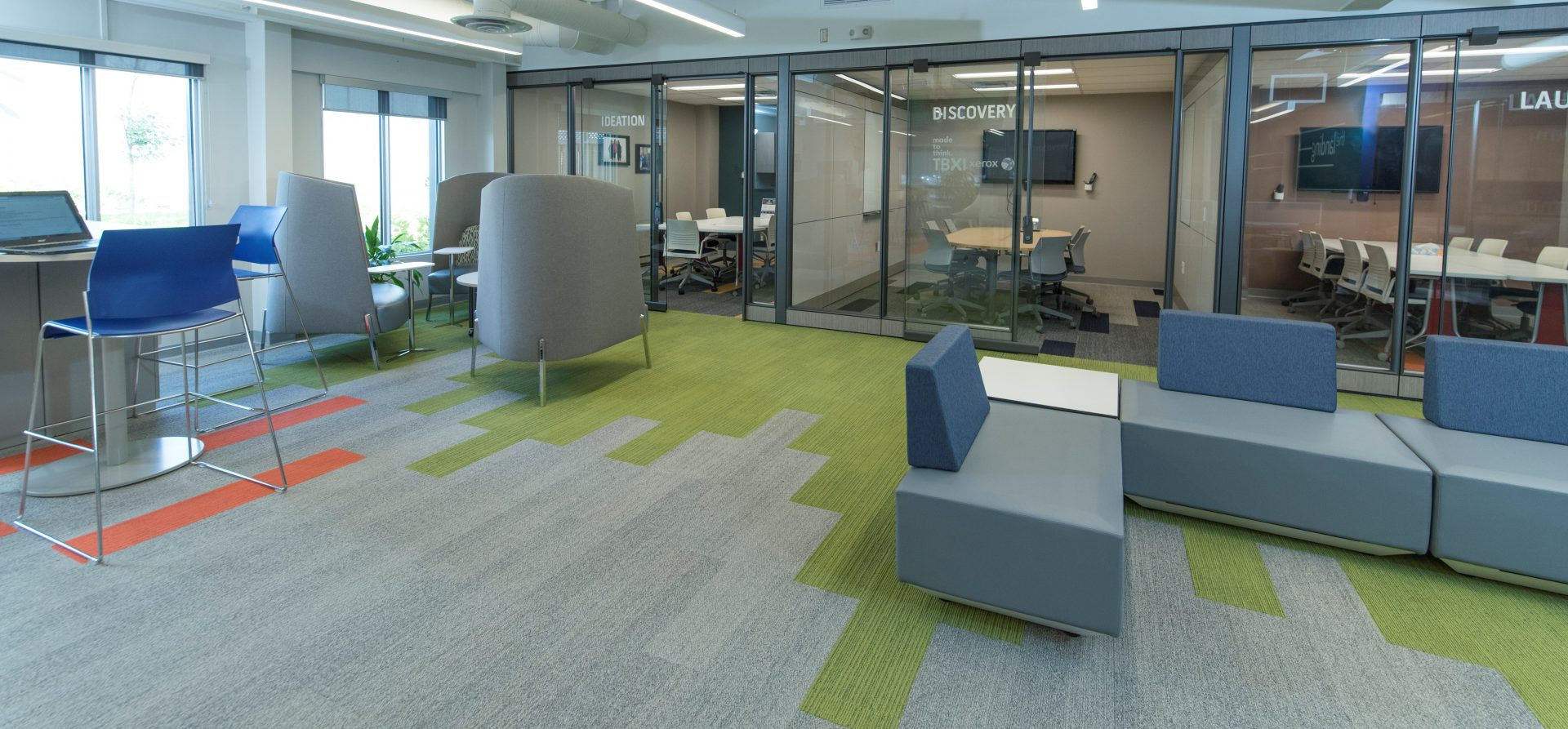 Interface carpet tile install at NWO Innovation centre
