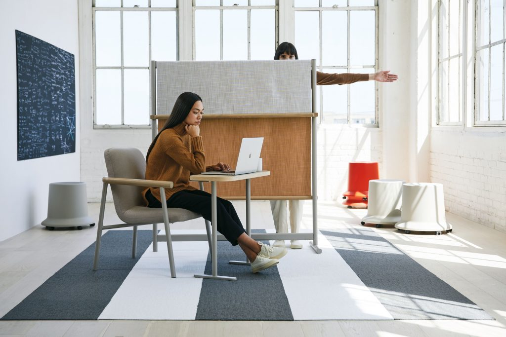Teknion routes privacy screen and furniture